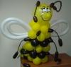 пчелка из воздушных шаров