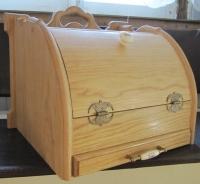 Деревянная хлебница с выдвижной досточкой из ясеня