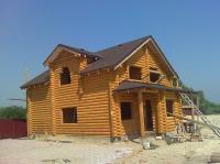 Деревянный дом, сруб