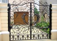 Изготавливаем ворота (кованые, откатные,  распашные и обычные гаражные ворота),двери,лестницы,козырьки,мебель
